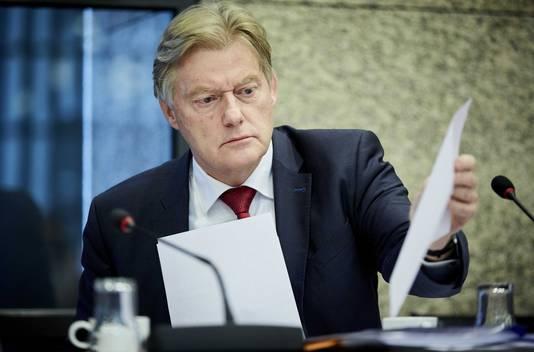 Martin van Rijn staatssecretaris van Volksgezondheid, Welzijn en Sport tijdens een algemeen overleg over Thuiszorg TSN.