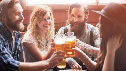 Waarom is het zo moeilijk om nee te zeggen tegen dat glaasje alcohol?