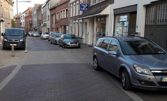 Verkeerd parkeren op het voetpad  in de Doelstraat