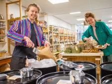 Verpakkingsvrij winkelen in Wageningen: 'Dit geeft ons een heel goed gevoel'