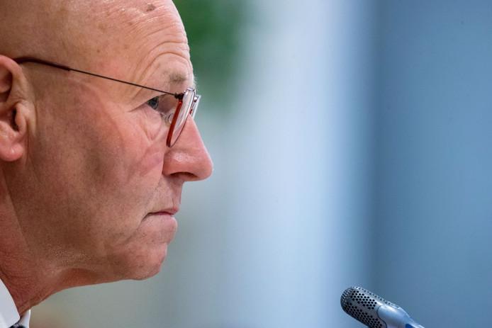 Burgemeester Bort Koelewijn van Kampen.