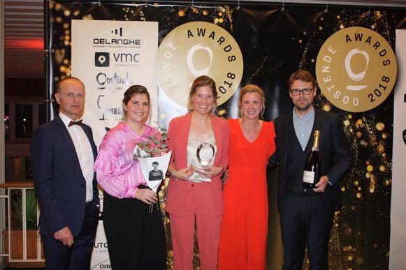 Lily Oostende krijgt de award voor Beleving