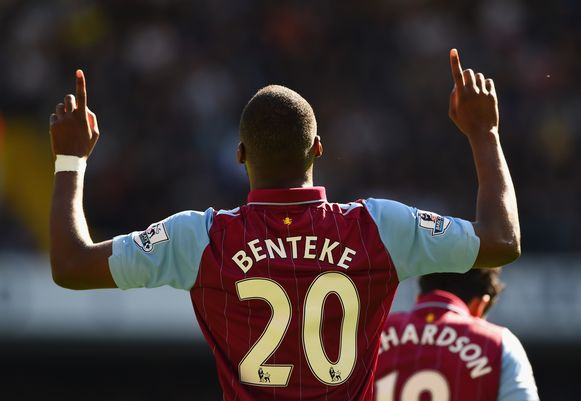 Christian Benteke in het shirt van Aston Villa.