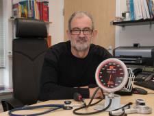 Van 'de dokter heeft gelijk' tot zelfdiagnose via internet: Wim van Kooten stopt na 40 jaar als huisarts in Harderwijk