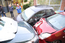 De schade aan de andere auto's is enorm