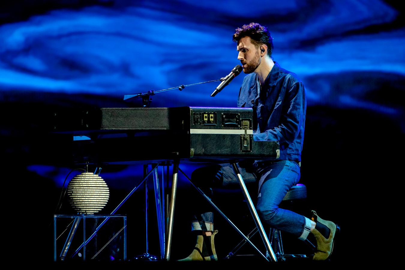 Zanger Duncan Laurence zingt zijn winnende nummer Arcade tijdens het Eurovisie Songfestival. De IJsselhallen zagen zo'n feest wel zitten, maar kunnen het niet organiseren. Duncan is op 1 november overigens wel in Zwolle voor een optreden in Hedon.