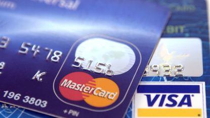 Fiscus screent kredietkaarten op zoek naar zwart geld
