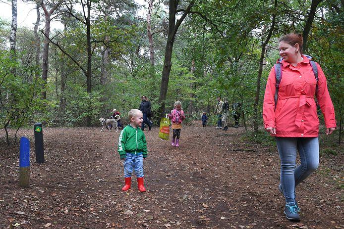 Ook Tine Hak uit Cuijk zocht met met haar kinderen Thomas en Ramona de natuur op.