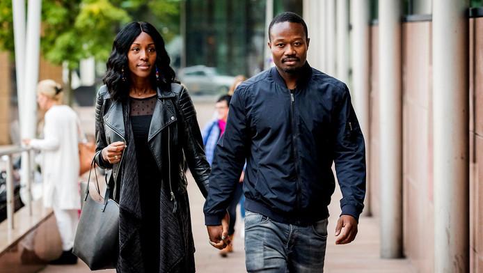 Anti-zwarte piet activist Jerry Afriyie arriveert bij de rechtbank voor zijn strafzaak voor mishandelen van een agent tijdens de nationale intocht van Sinterklaas