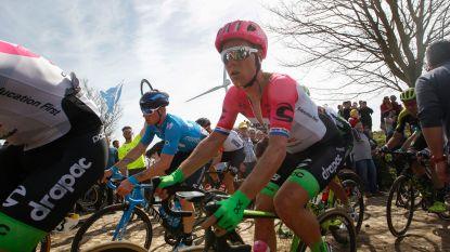 Langeveld breekt neus en sleutelbeen bij val - Trentin houdt lendenwervelbreuk over aan Parijs-Roubaix