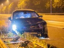 Auto botst achterop vrachtwagen op A12 bij afrit Nieuwerbrug