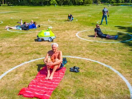 Den Haag volgt aanpak New York: Cirkels op het gras in Zuiderpark om afstand te houden