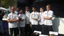 De zes deelnemers en de drie juryleden.