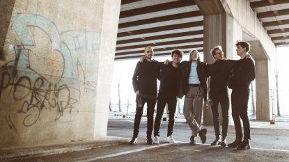 """Whispering Sons mag nu ook mee met Editors naar Engeland en Ierland: """"Fantastisch gevoel"""""""