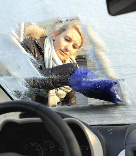 Gevaar: moderne auto extra kwetsbaar bij bevroren voorruit