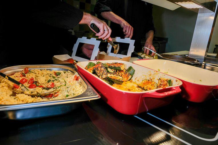 De overschotten van de maaltijden bij Greenhouse Brussels worden elke dag doorverkocht aan geïnteresseerden.