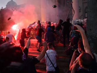 Opnieuw rellen in Belgrado nadat regering nieuwe lockdown aankondigde