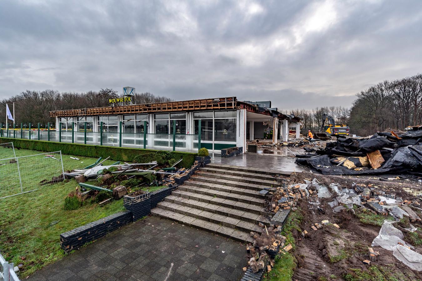 La Place langs de A58 bij Wouwse Tol wordt gesloopt.