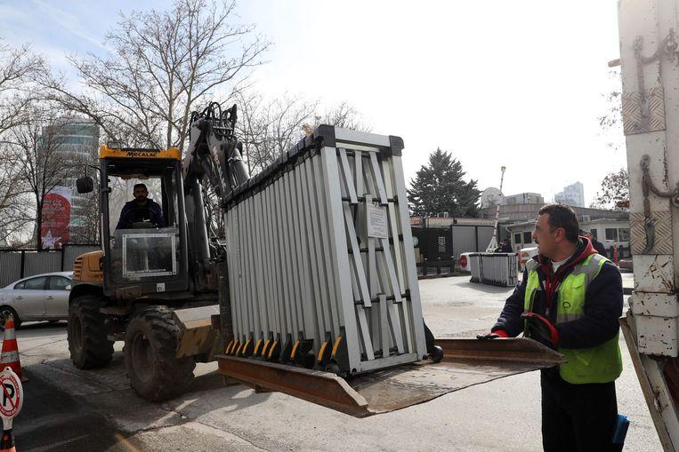 Eerder dit jaar werden er hekken bij de Amerikaanse ambassade in Ankara geplaatst. Beeld AFP
