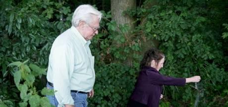 Don en Diann strooien as van hun vader uit in Eerde