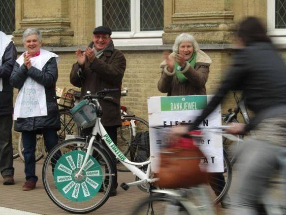 Groen Poperinge applaudisseert voor fietsers.
