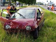 Automobiliste gewond bij botsing op bestelbus op N18