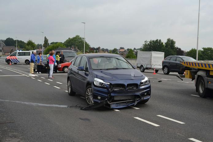 Schade aan een van de auto's.