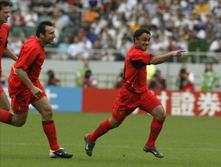 België wint zijn derde groepsmatch op het WK 2002 met 3-2 van Rusland. Johan Walem zet de Duivels op het goede spoor door een vroeg doelpunt vanop vrije trap.