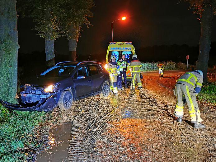 De verongelukte auto's in Babberich en Wehl.
