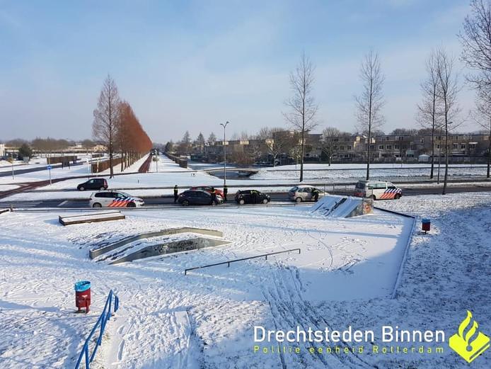 De politie van Dordrecht heeft vanmorgen 20 bekeuring uitgeschreven aan de Groenezoom in Stadspolders