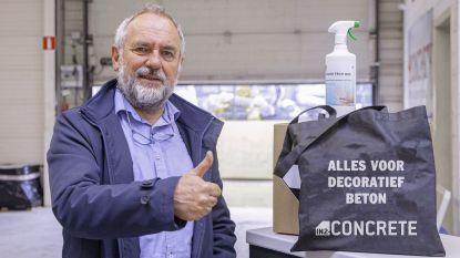 Bedrijf schenkt twaalf liter handspray aan alle Oosterzeelse scholen