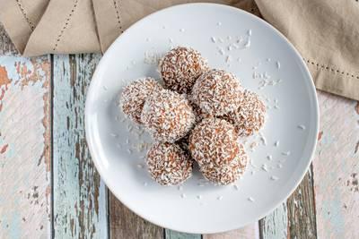 Wat Eten We Vandaag: Kokosballen met vijg