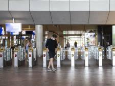 Corona op Rotterdam Centraal: broodjeszaak dicht