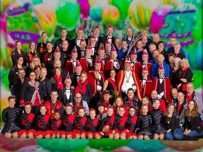 De jubilerende carnavalsvereniging de Keiebijters uit Noordwijkerhout