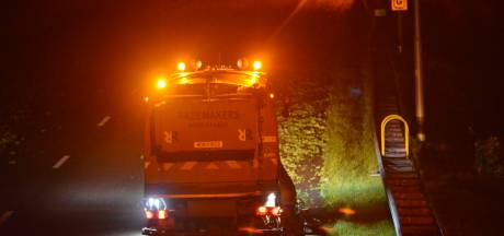 Snelweg bezaaid met boerenkool, veel oponthoud op A27 bij Bavel