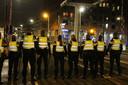 Politie op de Schiedamseweg.
