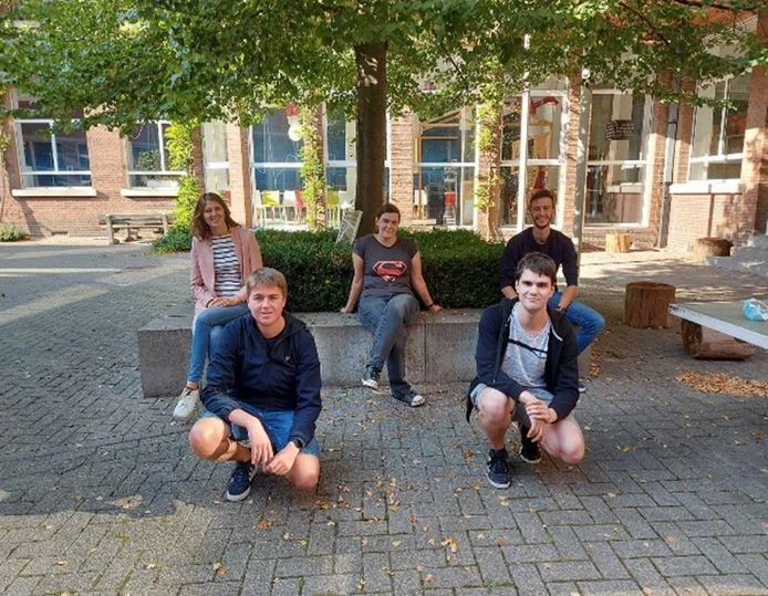Studenten van Hogeschool Vives ontwikkelden een kippenzadel.