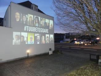 Unizo Deinze projecteert nieuwjaarsboodschap met bekende gezichten in straatbeeld