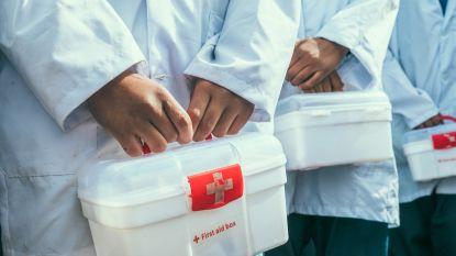 Hemiksemse jeugdbewegingen krijgen uitgebreide EHBO-kits