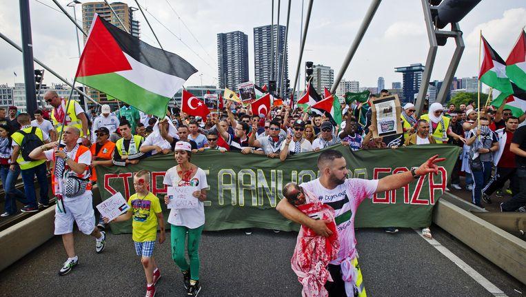 Demonstranten voerden afgelopen zondag in Rotterdam actie tegen het geweld op de Gazastrook. Beeld anp