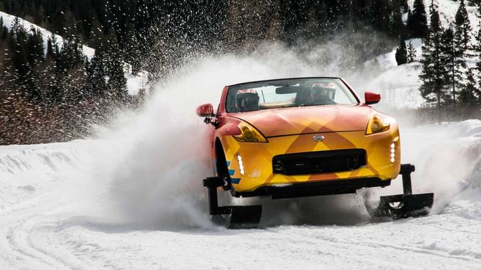 De 370Zki is een kruising tussen een sportauto en een sneeuwscooter