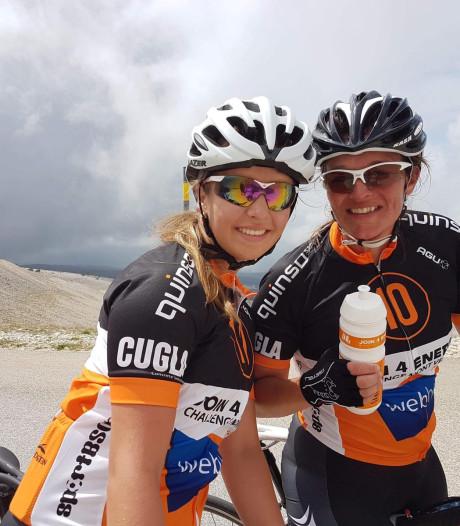 Missie volbracht: moeder en dochter uit Hengelo beklimmen Mont Ventoux