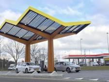 Britse ANWB wil hybrides weren bij laadpunten snelweg