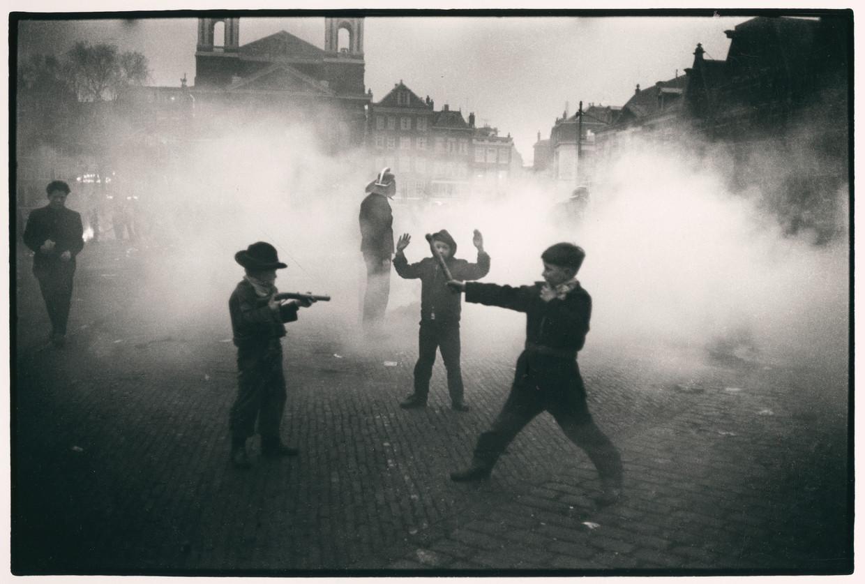 Waterlooplein circa 1965 door fotograaf Ed van der Elsken.
