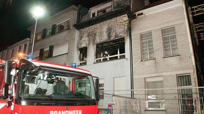 Zeven bewoners ontkomen aan uitslaande brand