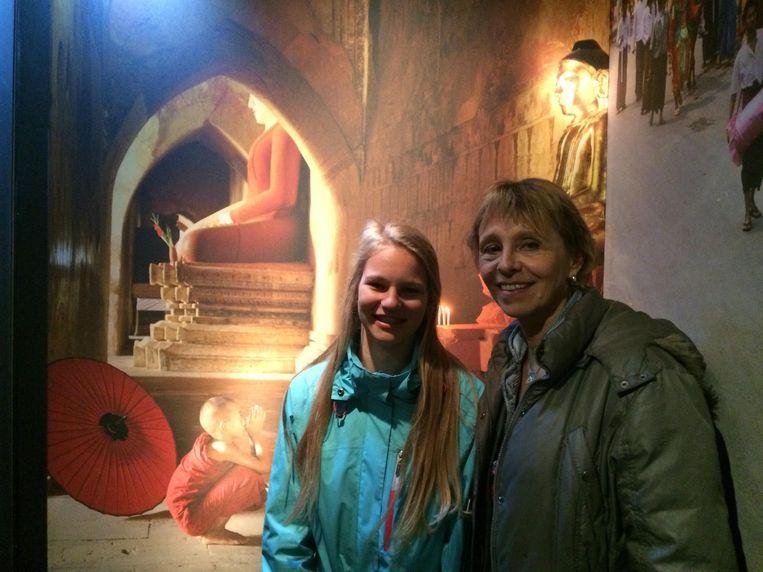 Anita Bennink en Michelle van der Veer. Beeld null