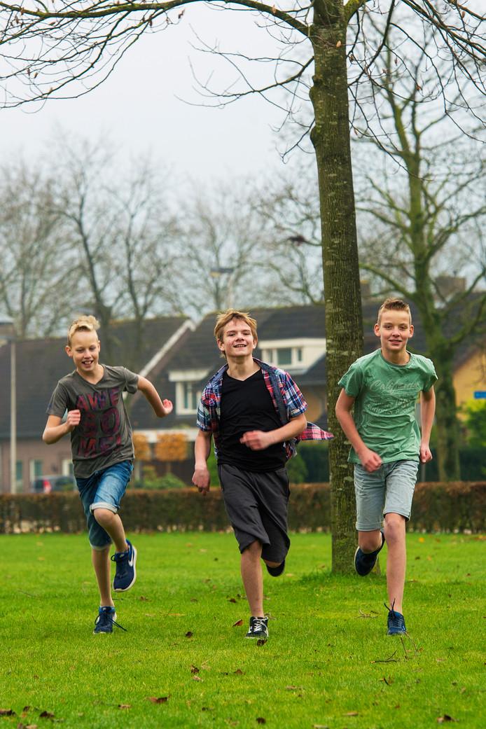 Drunen drie vrienden lopen het hele jaar door in een korte broek: Jorn,  Roel en Dorus.