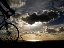 Wielrenners van GGZ Oost Brabant fietsen 80 kilometer vanuit Boekel om tocht vanuit Italië te herdenken