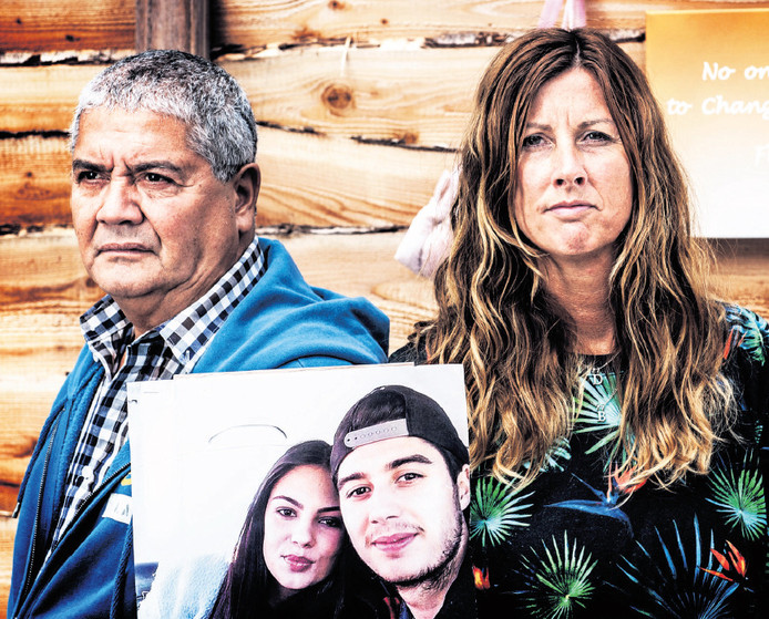 Silene Fredriks en haar man gedenken Bryce en Daisy, omgekomen bij de ramp met MH17.