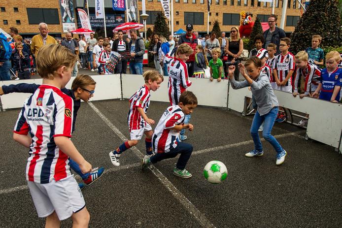 De jeugd vermaakte zich prima tijdens de open dag van Willem II